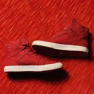 Red HOT Supra Muska 001
